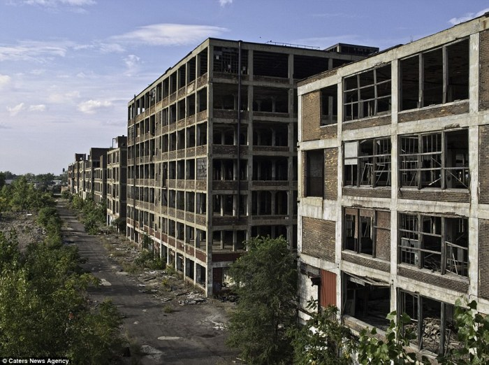 Packard plant1