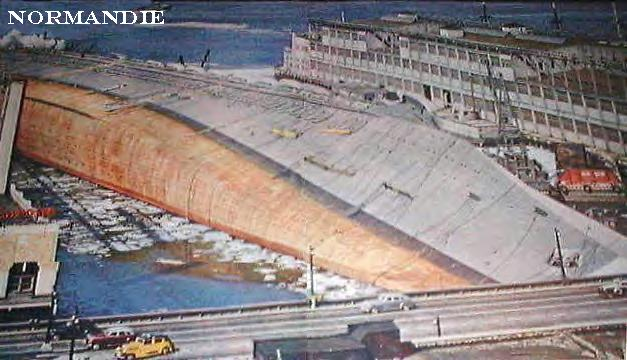 Liner-Normandie-capsized-in-New-York