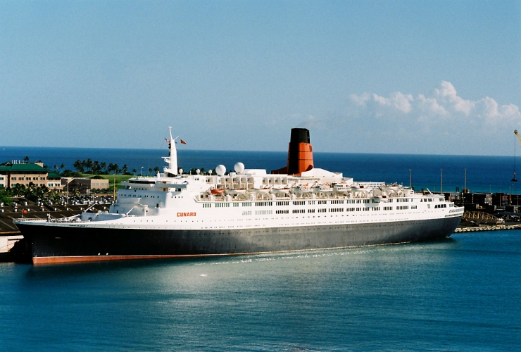 QE2 in Hawaii