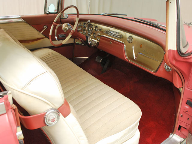 1955-packard-400-dash