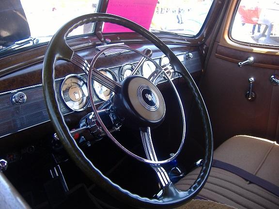 '39 Packard Twelve instrument panel
