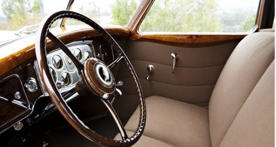 '34 Packard Twelve - interior