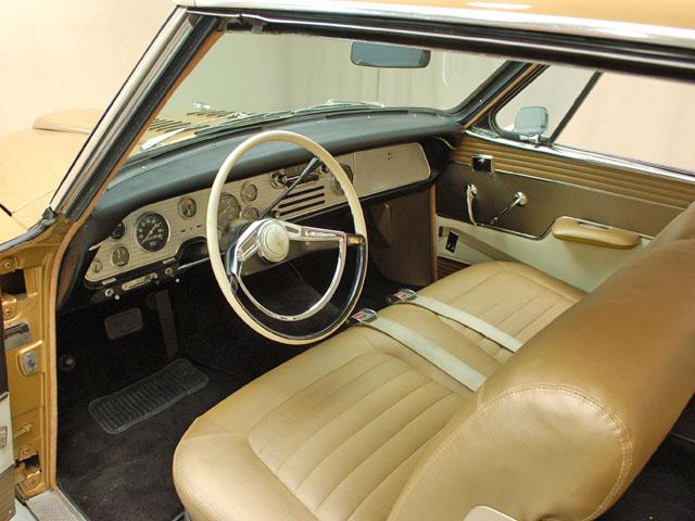 1957-studebaker-golden-hawk-dash
