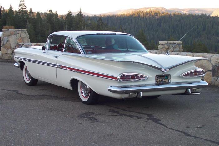 1959-Chevrolet-Impala-2dr-hdtp-rvl