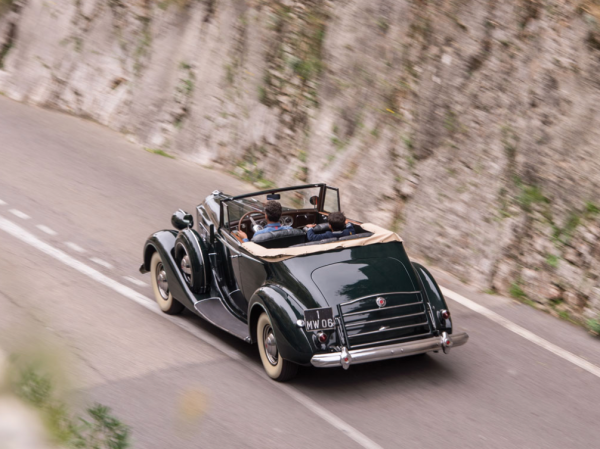 '37 Packard Super Eight