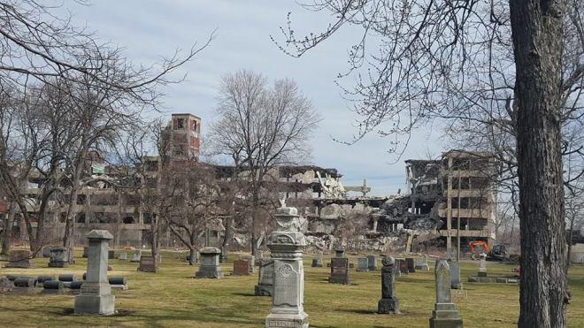 Detroit Decay2