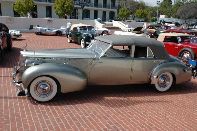40 Packard_Darrin_Super_Eight_side
