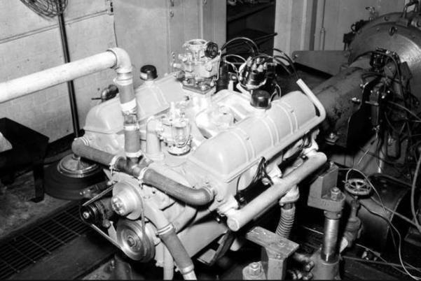 Kaiser 288 V-8