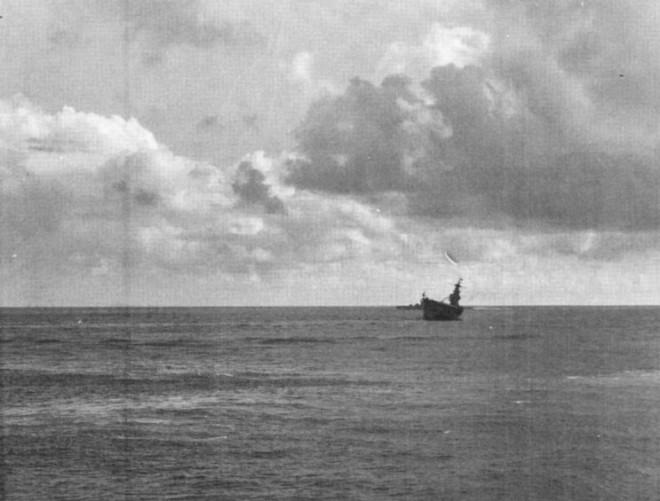CV-8_sinking