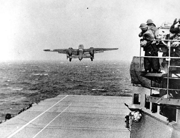 Hornet CV8_B-25