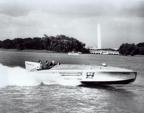 Henry J on the Potomac