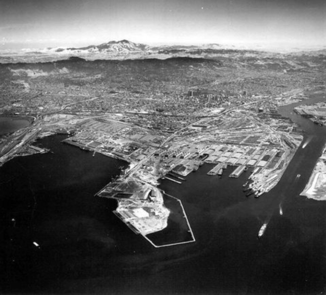 Port_of_Oakland_1968
