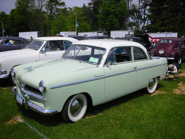52_Willys_green_2dr