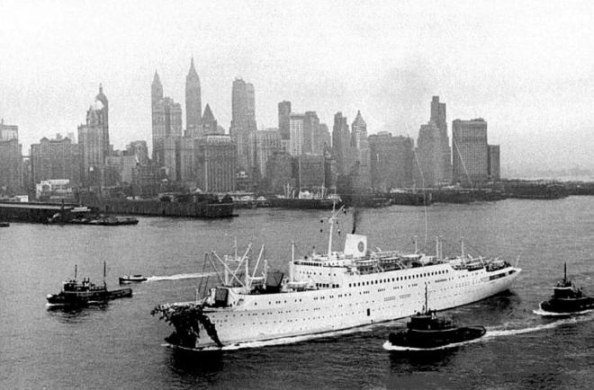 Stockholm enters New York