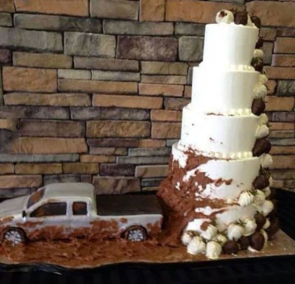 redneck-wedding-cake