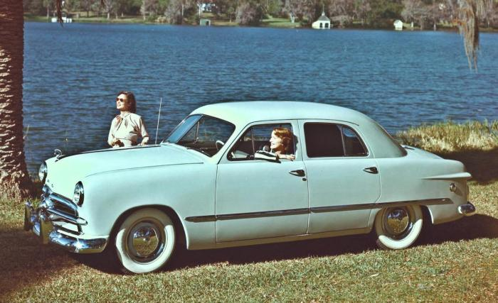 1949-ford-sedan