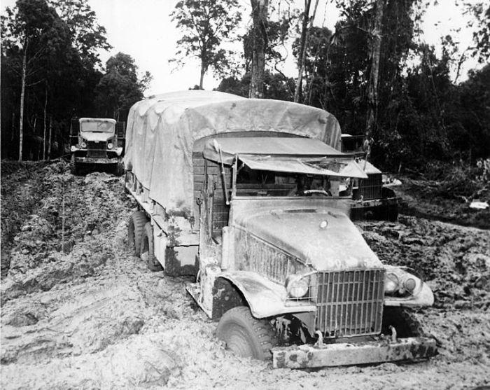 sudebaker_truck_in_the_mud
