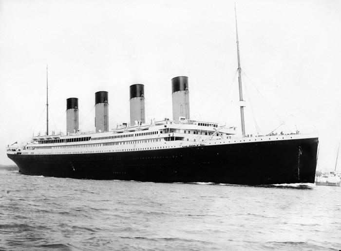 Titanic_bw