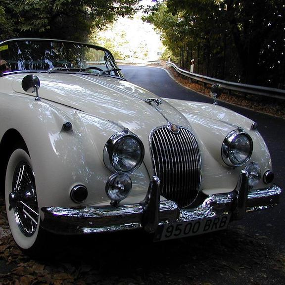 Jaguar_XK_white