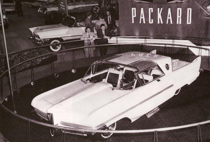 1956_Packard_Predictor_Concept_Car
