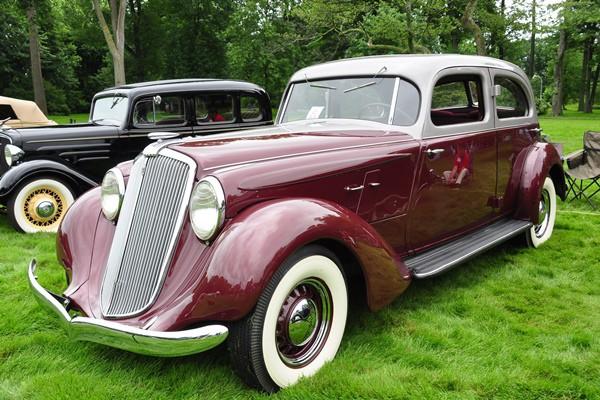 1934-Hupmobile-Aerodynamic-Sedan