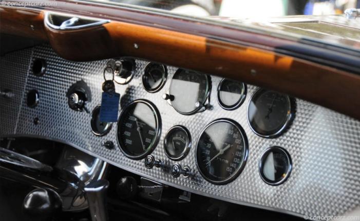'35 Duesenberg instrument panel