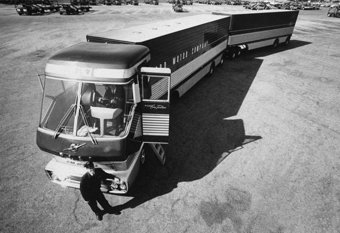 1964_Ford_Turbine_Truck_04