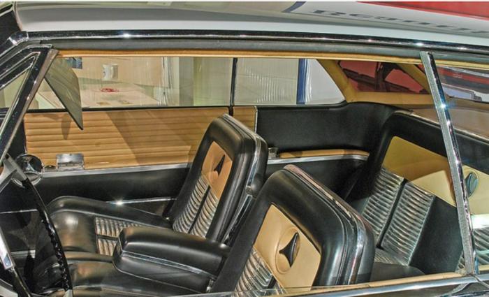 Studebaker Sceptre Interior