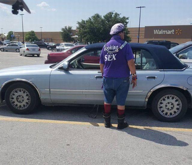 Walmartian_right-place