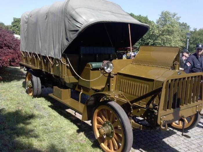Packard truck - military