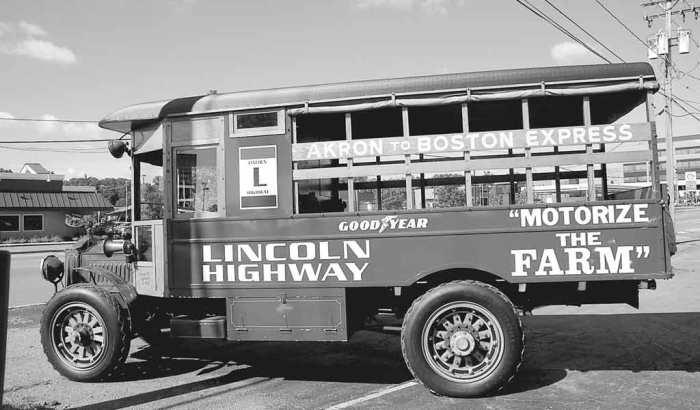 Packard-truck-replica