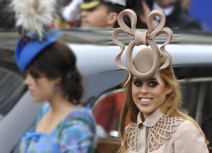 Beatrice's crazy hat2
