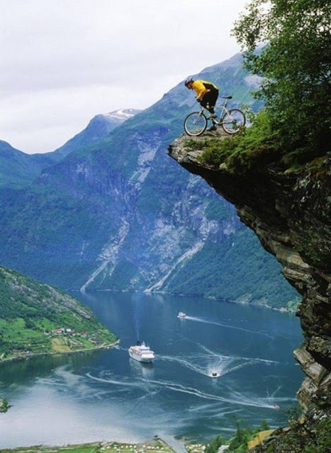 WWLLTM-bike_on_cliff