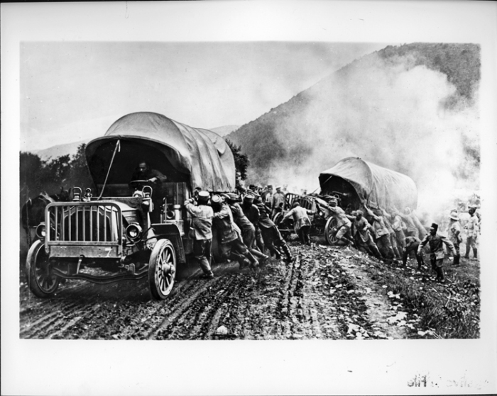 Packard Army Truck in action