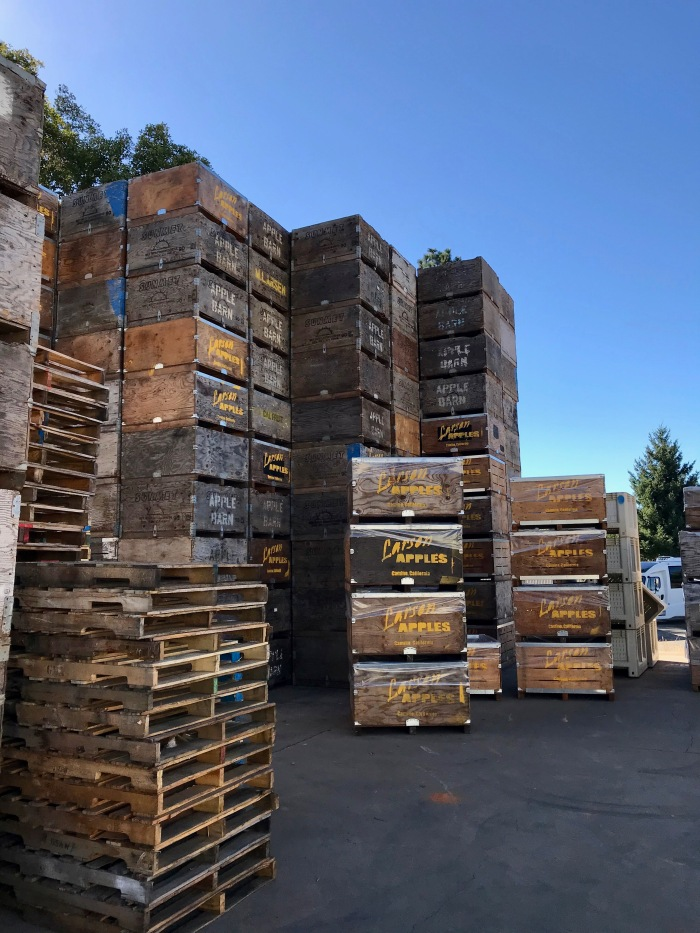 Larsen apple crates