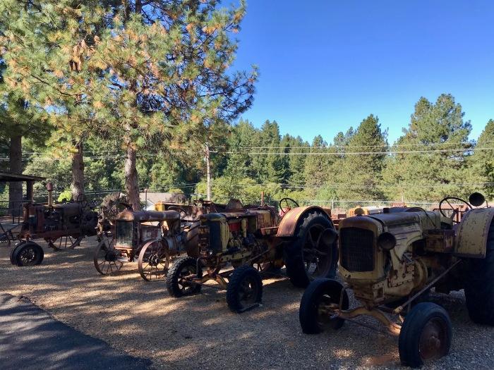 Larsen-old tractors