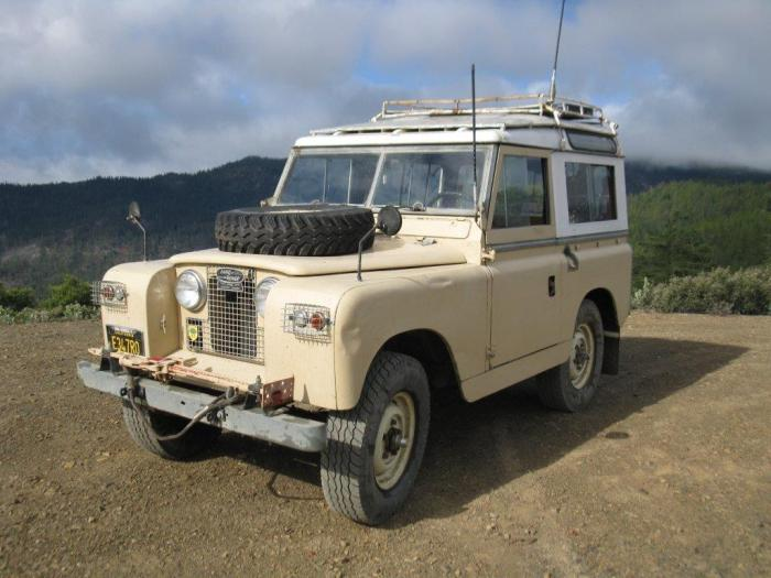 Chris-to-Fear's Land Rover