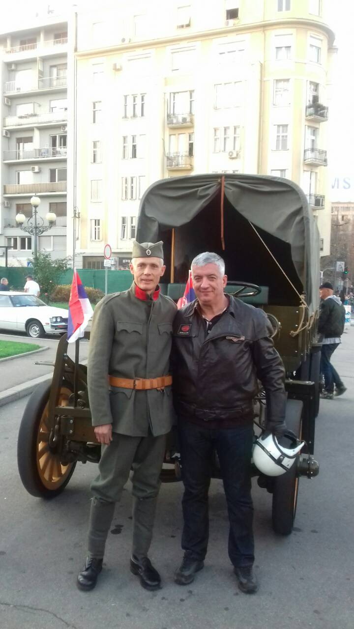 1918 Packard truck-Belgrade-uniformed driver