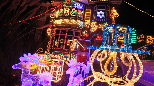 Suburbia Lights Up For Christmas