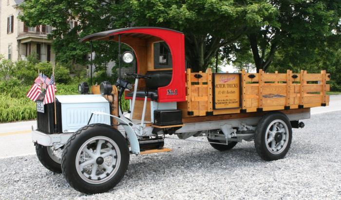 1920 packard 1 1:2 ton truck