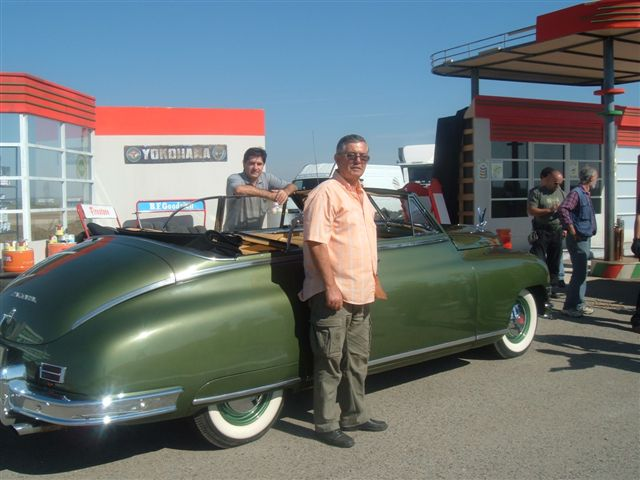 Tito's Packard - gas stationJPG