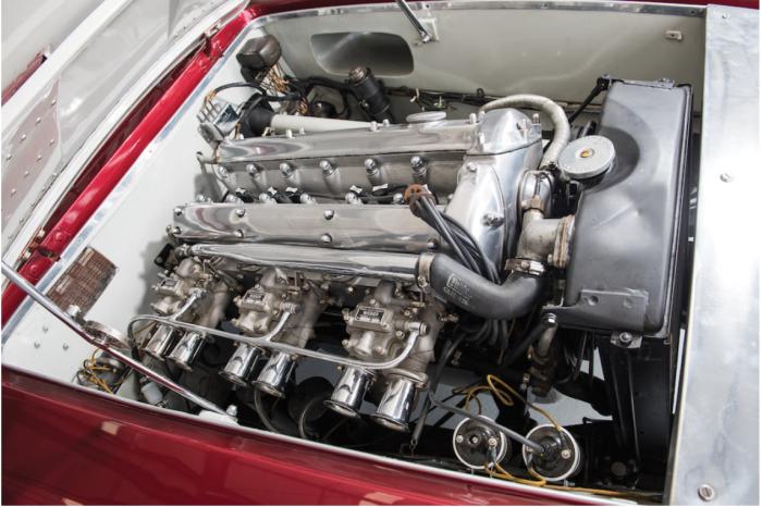 Jaguar XK120 Supersonic-engine bay
