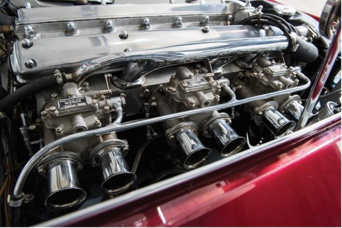 Jaguar XK120-Supersonic-engine