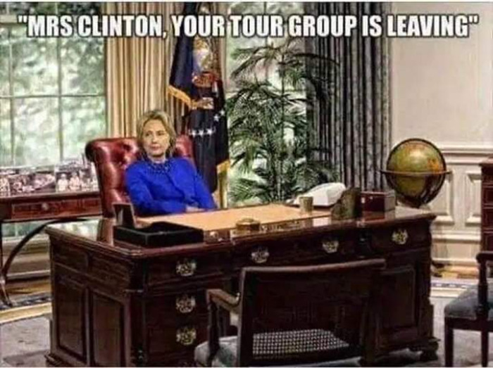 Old Hitlery_Tour group_WH