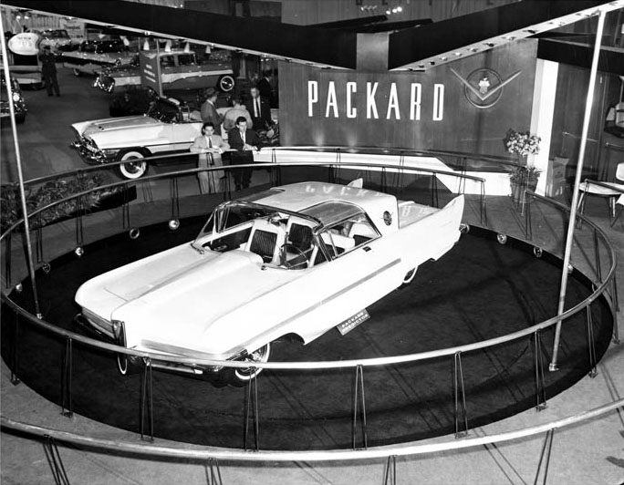 1956_Packard_Predictor_Concept_Car