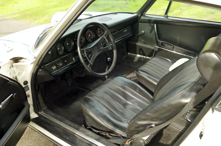 69 Porsche 912-left interior
