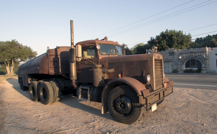 Peterbilt pencil nose used in The Duel